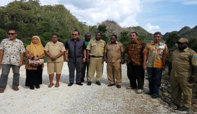 Lemtek UI Visited To South Sorong In West Papua 3